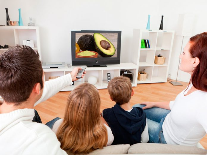 the advantages and the disadvantages of television